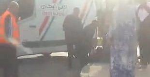 شاهد بالفيديو . . لحظة إعتقال الشرطة لمشرمل بعد محاولته الهرب واستعمال سلاح أبيض