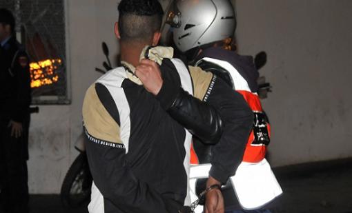 إنزكان : إعتقال تلميذ عنف أستاذه بعد ان ضبطه يغش في الامتحان