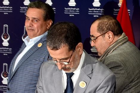 """""""بلوكاج وتصدع جديد"""" ينتظر الحكومة بعد اتهامات من البيجيدي لأخنوش"""